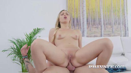 Изображение Капризная блондинка успокоилась анальным сексом